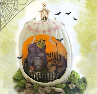 creepy Halloween diorama
